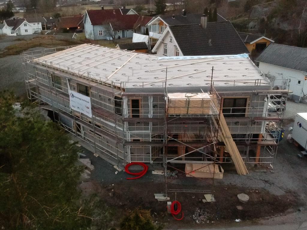 Tett tak på nybygg.
